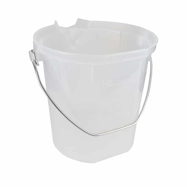 bucket 10l pouring
